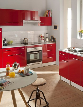 Cuisine SPOON SHINY coloris rouge - CONFORAMA